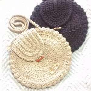 Cartera redonda tejida a crochet